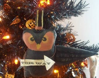 CustomerAppreciationSale Primitive Halloween This Way Owl