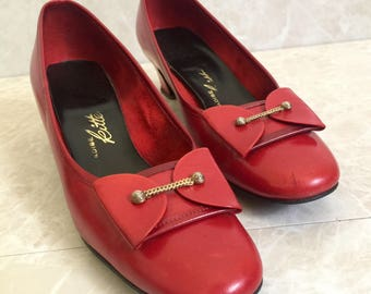 Apple Red Low Heels with Geometric Bow and Brass Bar- Leather- Vintage 1950s