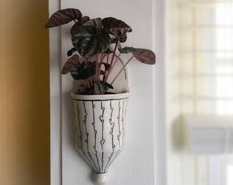 Wall pocket | wall sconce | Porcelain planter for wall | Wall pocket vase | small wall pocket planter | wall pocket organizer