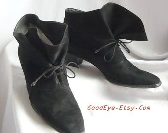 Vintage Andrea Pfister Couture Ankle Boots / Size 10 M Eur 42 UK 7 .5 / Pirate RUFFLE Black Suede Leather Laceup / Made in Italy