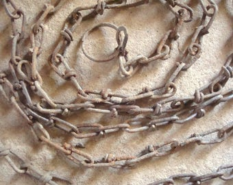 Rusted Metal 8 Foot Chain with Ring Piece Ends Found Objects Supplies Assemblage, Jewelry, Sculpture - Recycled Chain