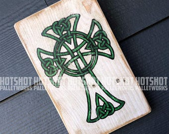 Celtic Cross, Irish, St. Patrick's Day, Vintage-looking pallet wood sign, hand made, hand painted