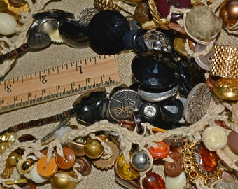 VINTAGE BUTTON lot black glass gold metal to repurpose reuse