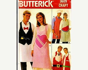 Christmas in July Vintage Sewing Pattern Butterick  3609 His and Hers Aprons Complete Uncut