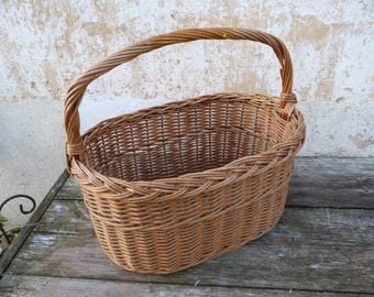 Antique  French  hand woven big wicker basket / gardeners /market