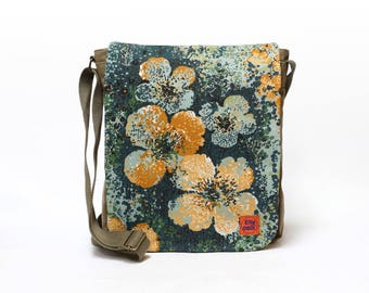 Claire - Vintage Fabric Upcycled Canvas Bag by EllaOsix - canvas messenger - crossbody bag - blue floral bag - retro shoulder bag