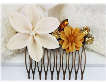 Ivory Flower Hair Comb - Ivory Lily Wedding Hair Comb, Cream Flower Bridal Comb, Flower Collage Hair Comb, Ivory Floral Hair Accessories
