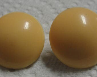 Acrylic Gold Round Clip Earrings