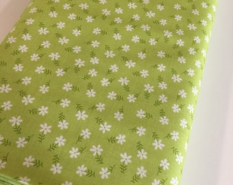 Glamping fabric, Fabricshoppe GlamperLicious fabric, Floral Fabric, Quilting fabric by Riley Blake, Floral in Green, Choose the cut