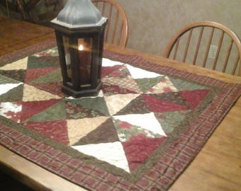 Christmas fabric table top quilt