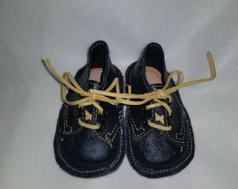 Boys Baby crib shoes size 0-1 black leather