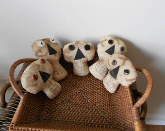 Primitive Skull Halloween Bowl Fillers