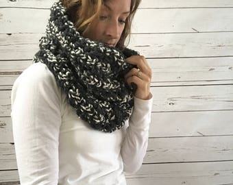 Chunky wool cowl scarf : charcoal cream marl / wool blend / single loop snood scarf / handmade / crocheted / knit