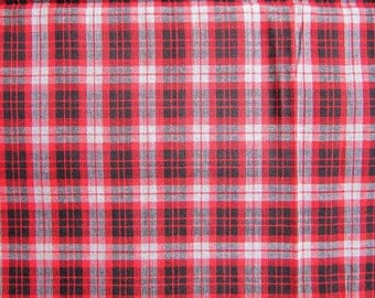 Vintage Cotton Plaid Shirt Fabric, Almost 4 Yards of Vintage 19650's  Lightweight Cotton Clothing or Projects Fabric, Red, Black, Gray
