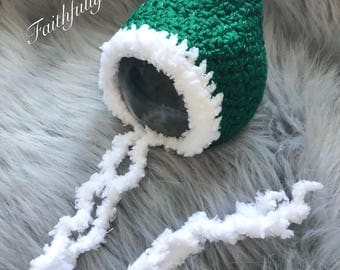 Newborn green pixie hat.. Christmas bonnet.. photography prop.. ready to ship... green pixie