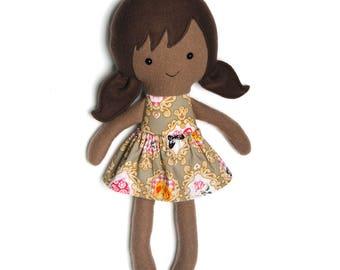 Gereserveerd item voor Silvia Levi: Rainbow rag doll / educatieve pop / bruine pop / tegen racisme / knuffelpop
