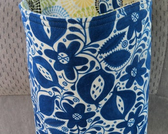 Trash Bin, Car Trash Bag, Cute Car Accessories, Headrest Bag, Trash Container, Navy Floral