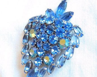 SALE Juliana Strawberry Brooch Blue Rhinestones and Aurora Borealis Vintage D&E Verified