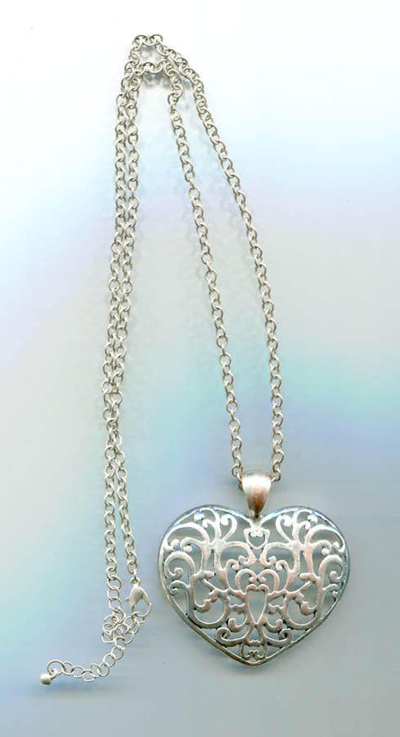 large filigree HEART pendant NECKLACE silver heart necklace charm chain necklace metal vintage jewelry #jewls4092