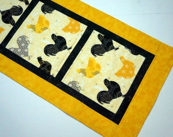 Rooster Table Runner Reverses to Tiny Holly on Cream Background for Christmas