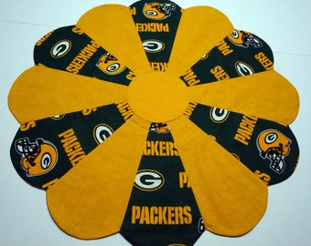 Green Bay Packers Table Topper Reverses to Winter or Christmas Holly Leaf Print