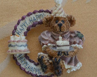 ON SALE Cute Vintage Boyds Bear Happy Birthday Brooch, Pin (W10)