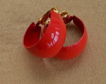 Cherry Red Enamel Hoop Clip Earrings, Vintage, 1980's (AC17)