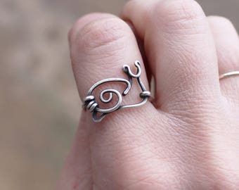 Snail Ring. Wire Snail. Sterling Silver. Oxidized. Wire Jewelry