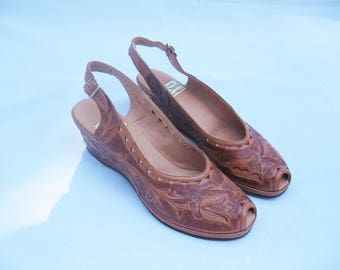vintage Mexican tooled leather pumps heels 9 B 8.5