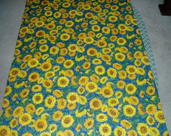 Bold and Bright Sunflower Throw/Quilt/Blanket