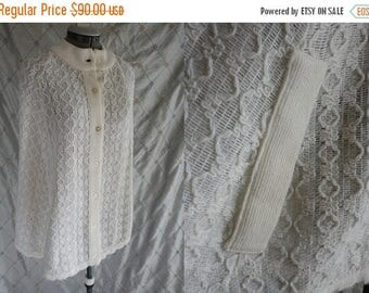 ON SALE 60s Cape // Vintage 1960's White Patterned Knit Cape Size S M Product of Japan 100% acrylic