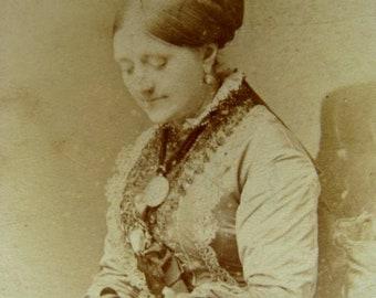 Antique CDV Edwardian Haute Lady in Hat