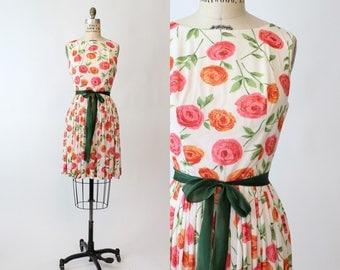 60s Dress Floral Dress Small / 1960s Vintage Rose Print Dress / Rose Strewn Garden Dress