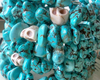 One Wrap Bracelet - Turquoise nuggets and skull beads - Boho chic - Bohemian cuff - Memory wire - One size fits all - bycat