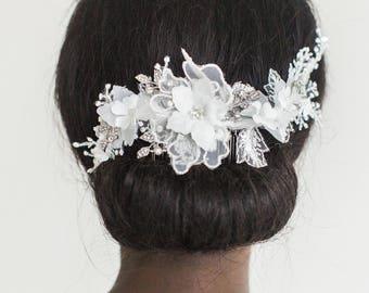 White Lace Headpiece, Wedding Headpiece, Bridal White Headpiece, Lace Bridal Hair Comb, White flower Hair Comb