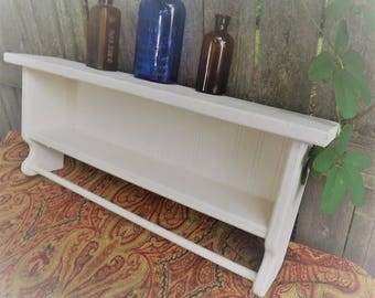 Vintage Rustic White Shelf with Towel Bar