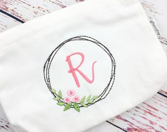 Personalized Make Up Bag / Cosmetic bag / Pencil Pouch / Teacher Gift / Teen Gift / Bridesmaid Gift
