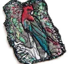 Embroidered Felt Brooch Funky Parrot Design - Wearable Art Pin - Arty Closing System - Piece Unique Embroidery Textile Art Made in Paris