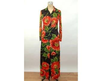 1970s pant suit lounge set  floral nylon silky two piece set daisies orange black bell bottom pants Size S