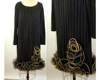 1980s dress cocktail holiday dress fortuny pleats black gold sculptural ruffles Size M After Five