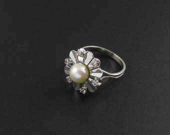 Pearl Ring, Diamond Ring, Flower Ring, White Gold Ring, 14k Gold Ring, Genuine Pearl Ring, Statement Ring, Cocktail Ring, Floral Ring