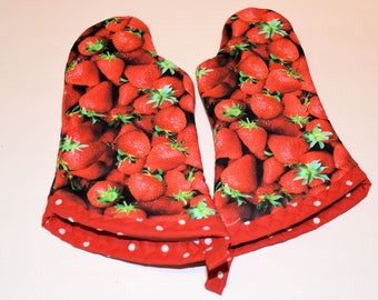 Kid Strawberry Oven Mitt Set/Birthday Gift/ Gift for Girls/ Christmas Gift/ Playhouse/ Home Decor/ Children's Gift/ Fun gift