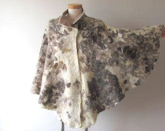 Women Poncho beige wool Cape, Felted poncho, Natural  wool autumn outerwear oversized poncho,  poncho for women