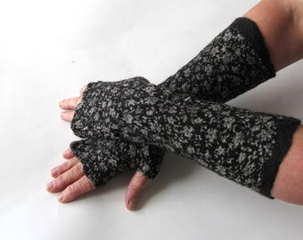 Hand Felted Mittens, Black fingerless gloves, Wool gloves, Black and  White, Winter gift, Warm mitts, Black gloves