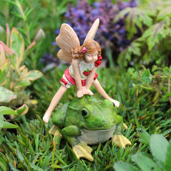 Leap frog Lori 2-Piece Set for the Fairy Garden