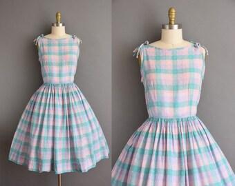 50s plaid picnic summer sun dress with a full skirt. vintage 1950s dress.