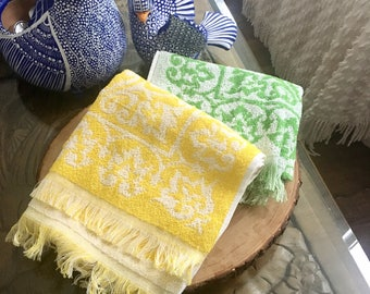 Pair of Mid Century Hand Towels / Vintage Fringed Towels