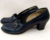 Vintage 1940/50s Shoes | Skuffies | Peep Toe | Open Toe | Leather | Size 8 1/2 AAA | Narrow | Dark Navy Blue | Pumps | Two Inch Heels |
