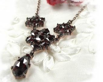 Drippy Vintage garnet flower necklace in Victorian style // ГРАНАТ