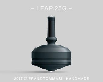 LEAP 25GBlack Spin Top with rubber grip and dual ceramic tip